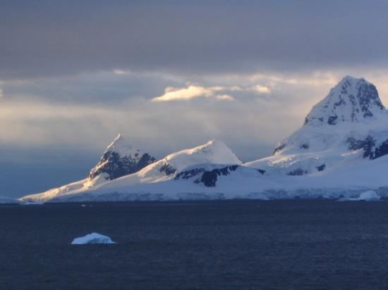 Paradise Harbour: Sunset lighting on the mountains of the Antarctic peninsula.