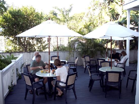 Azul Key West: The outside breakfast area.