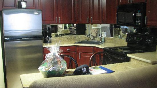 The Caravelle Resort: Kitchen