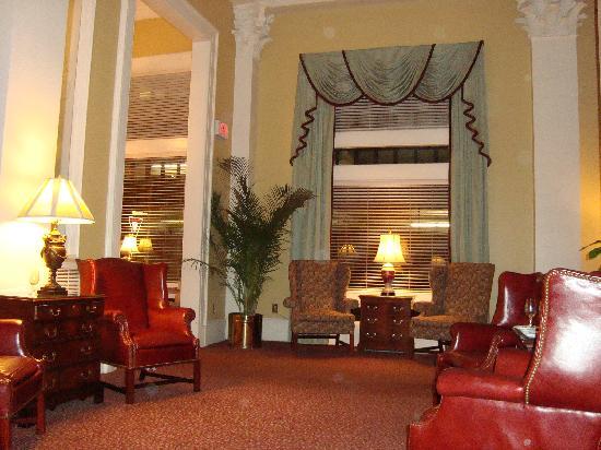 Planters Inn: Lobby
