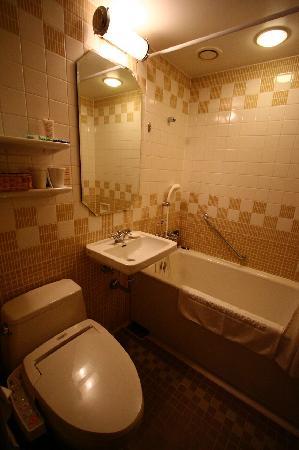 Hotel Monterey Lasoeur Ginza: Bathroom