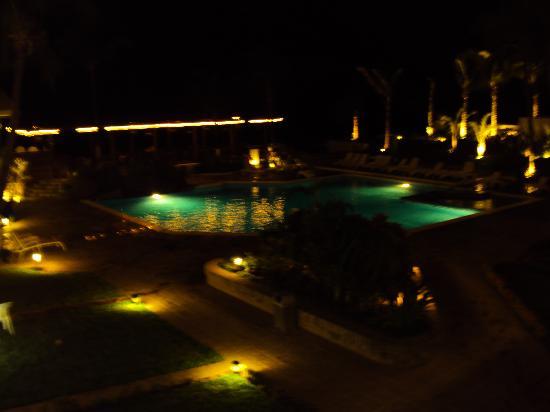 Quijote Inn: de noche