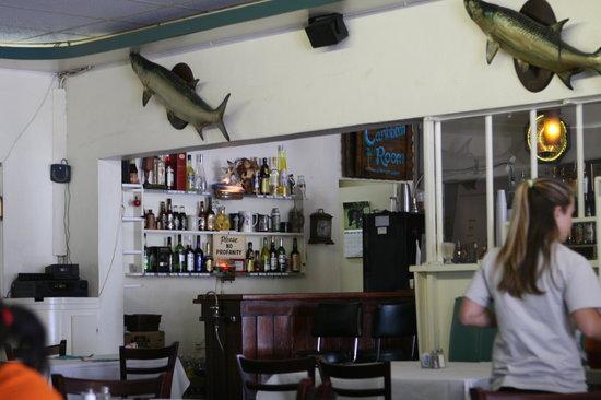 Temptation Restaurant, Bar & Package : Restaurant interior and bar area