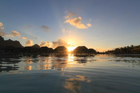 Four Seasons Resort Bora Bora: This is what it looked like every night