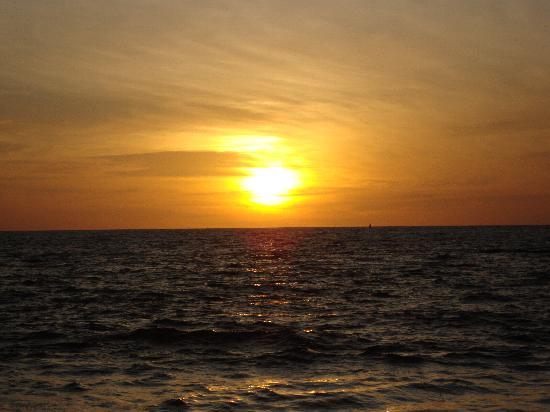 Crown Paradise Club Puerto Vallarta: Another amazing sunset
