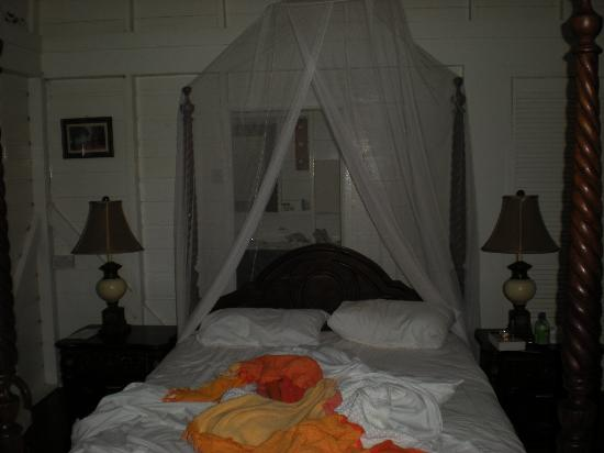 Fond Doux Plantation & Resort: bed in Bambbo