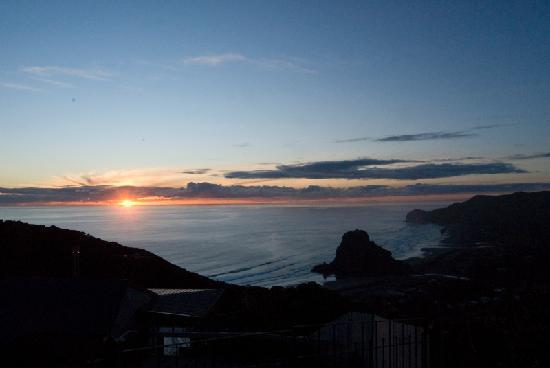 Mohio Tours: Sunset on the West Coast