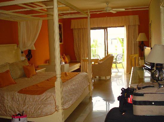 Luxury Bahia Principe Esmeralda: Bedroom