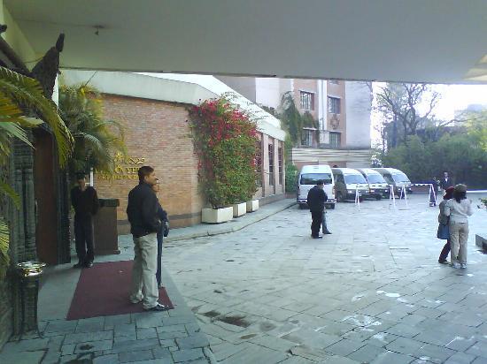 Hotel Yak & Yeti: Entrance