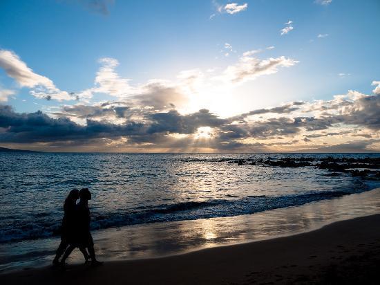Maui Tradewinds: Yeah yeah..typical sunset.