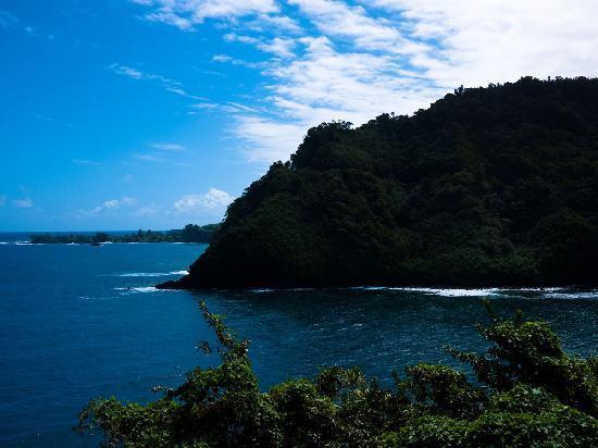 Maui Tradewinds: Shoreline. It's everywhere.