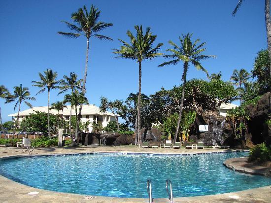 Kauai Beach Resort: Pool, hot tub, and waterfalls