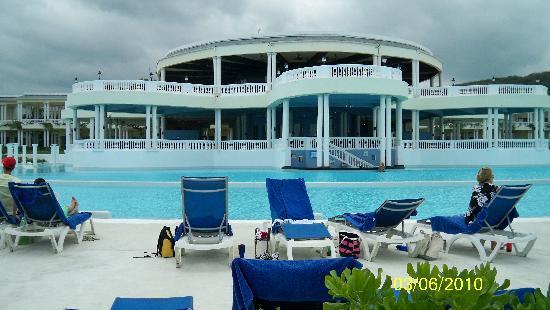 Grand Palladium Lady Hamilton Resort & Spa: Hotel Main Pool