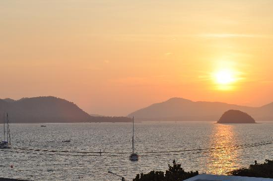 Kantary Bay, Phuket: Sunset again
