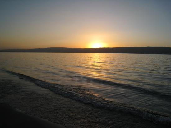 Ein-Gev Holiday Resort: Sunset over the Sea of Galilee
