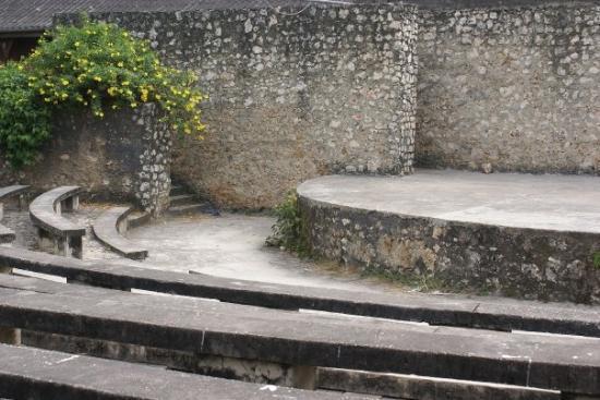 Steinbyen på Zanzibar, Tanzania: The Old Fort in Stone Town