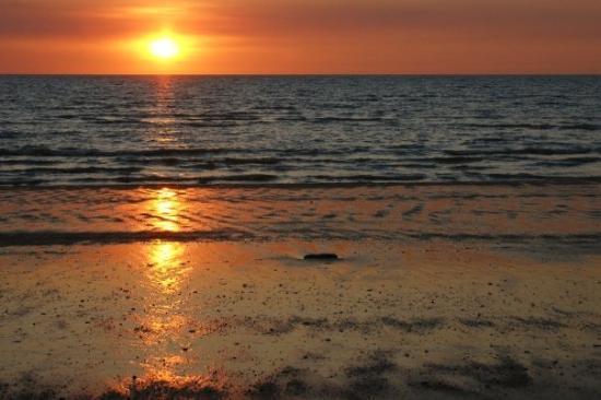 Sunset Mindil Beach, Darwin