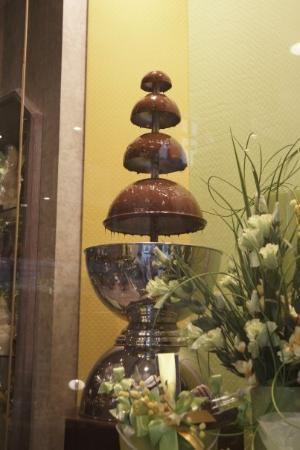 Ieper (Ypres), Belgia: A Belgium chocolate fountain - only found it when it had been turned off :-(