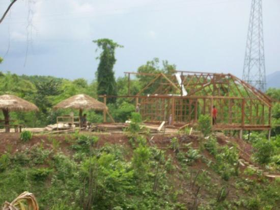Vang Vieng, Laos: Building in the middle of nowhere