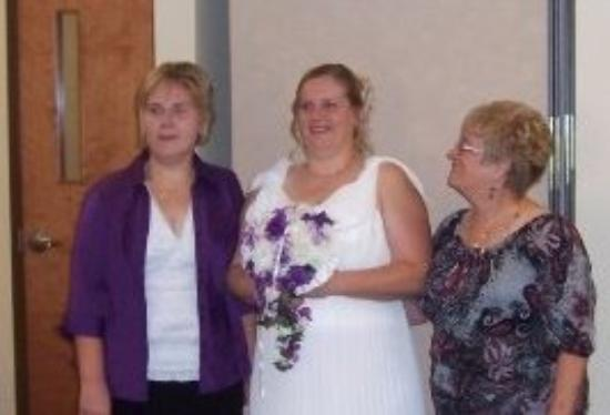 Reynoldsburg, OH: Brenda's wedding, Babette and me