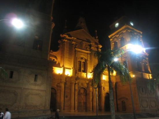 Santa Cruz, Bolivia: BASILICA MENOR DE SAN LORENZO & MUSEO DE LA CATERDAL- It is located in Plaza 24 de Septiembre Sa