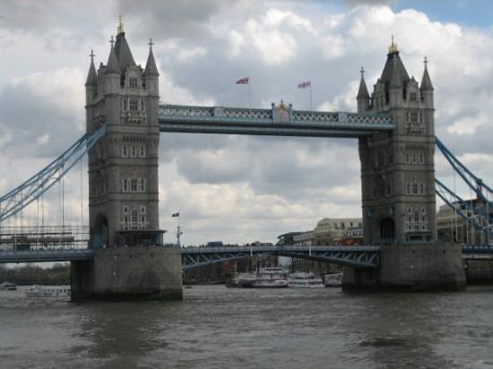 Tower Bridge is not falling down