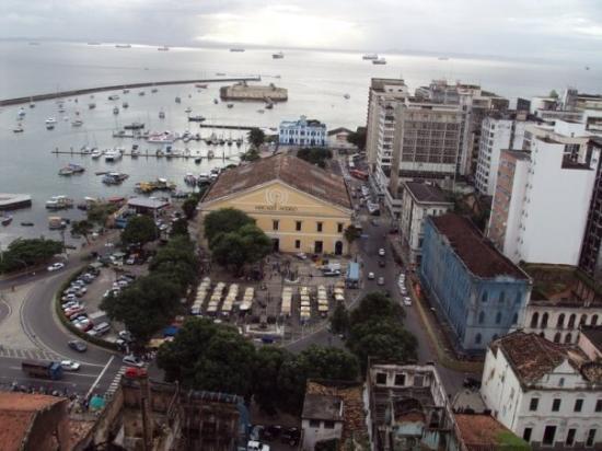 Vista do centro de Salvador, da cidade alta.