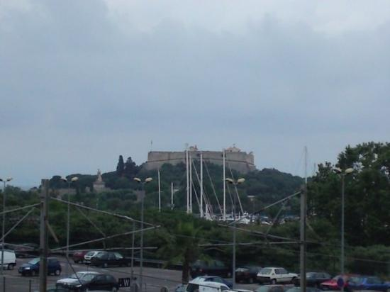 Antibes, Frankrike: un chateaux