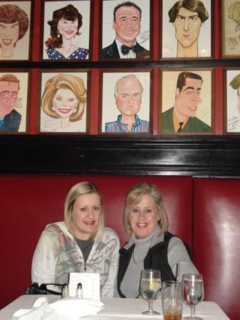 Sardi's Restaurant: Last night in NY...dinner at Sardi's