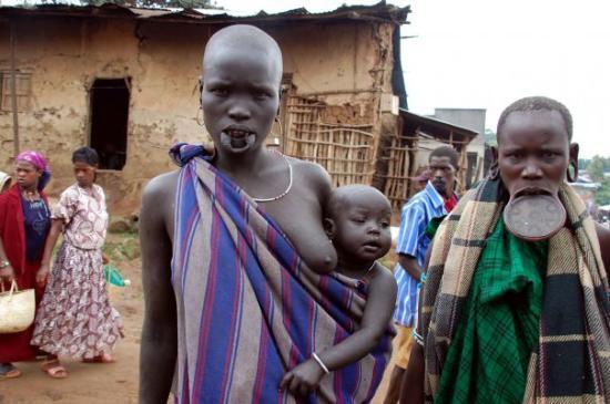 Jinka, Etiopia: aggressive