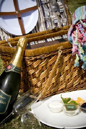 Oyster Bay Lodge: Pic Nic Baskets delivered to you anywhere