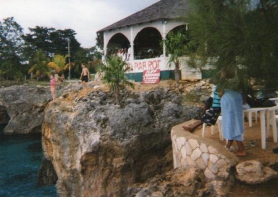 Montego Bay, Jamaica: Jamaica's beautiful.... I jumped off that