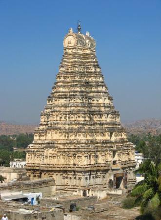 Hampi, India: main entrance - approx. 50 feet ht,  was already built before Krishnadevaraya came to power.