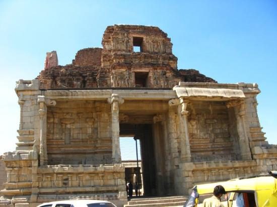 Hampi, India: krishna temple - victory over king of orissa - Gajapati