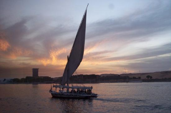 Kusadasi, Tyrkia: Faluca at sunset, Nile
