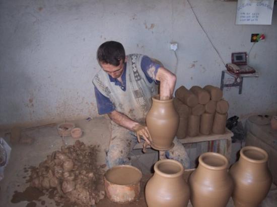 Kusadasi, Tyrkia: Don't want his job... 300+ per day! Cappadoccia, Turkey