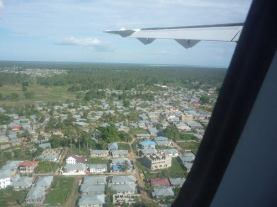Landing into Zanzibar, flying over the town.