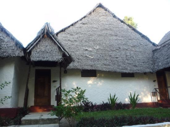 Karafuu Beach Resort and Spa: Our bungalow, 124