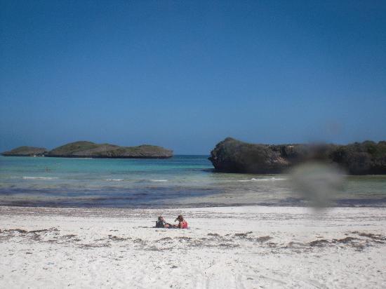 Barracuda Inn : atolli che si raggiungono a piedi con la bassa marea, e si possono fare bagni in acque cristalli