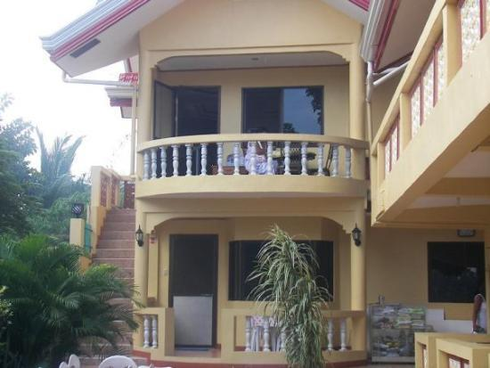 Cherrys Home at Panglao Island, Bohol Philippines. A very nice, compatible, clean, friendly owne