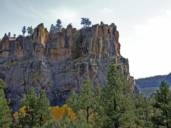 Battleship Rock 5 mi N of Jemez Springs