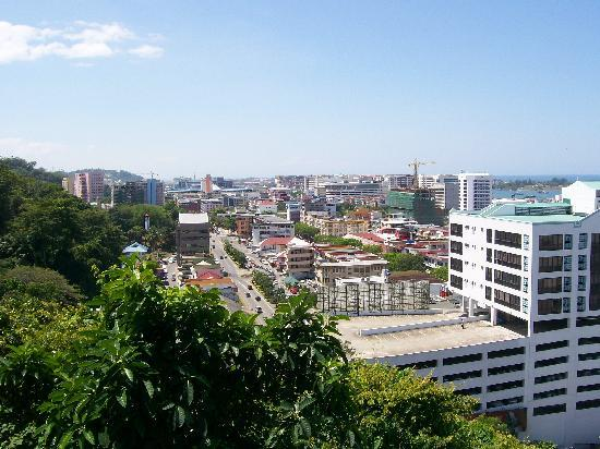 Le Meridien Kota Kinabalu: the other end of town. Water dwellers