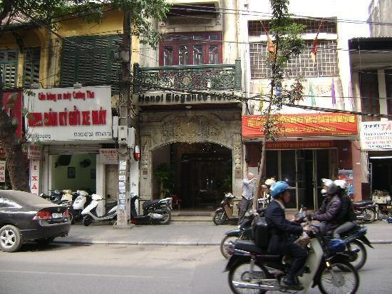 Hanoi City Palace Hotel: Outside Hanoi Elegance 3