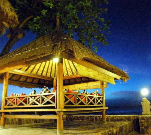 Puri Mas Boutique Resort & Spa: Beach Terrace Pavilion for resting and dining
