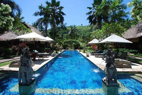 Puri Mas Boutique Resort & Spa: Puri Mas Chakra Spa Pool area