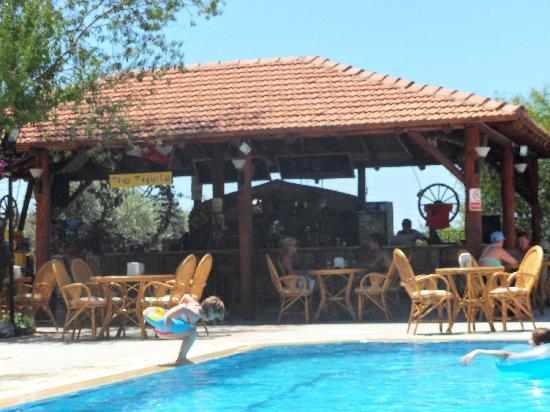 Celay Hotel: bar area