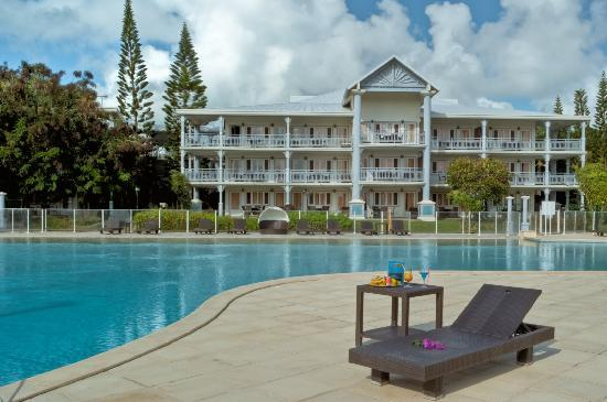 Résidence La Plantation & Spa: The Bedrooms building with the swimming pool