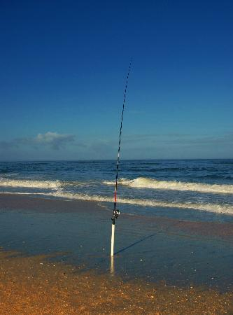 Oceanview Lodge: Fishing on beach