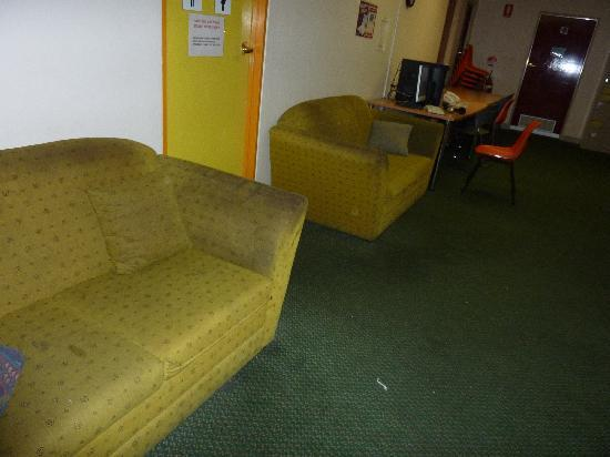 Adelaide's Shakespeare Backpackers International Hostel: Do you fancy sitting on this ?