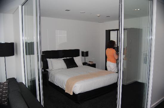 Waldorf Stadium Apartments Hotel: Bedroom area